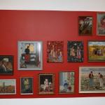 Central del af udstillingen, med broderede skilderier efter originale kunstværker-sammenstillet.